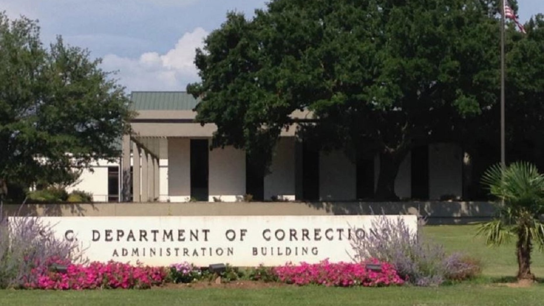 Several inmates inSouth Carolina prisons were mistakenly released early.