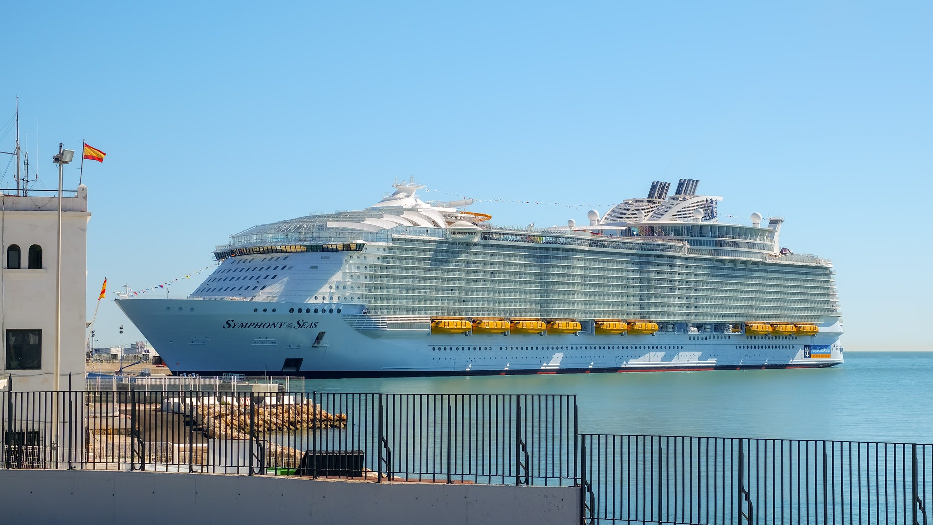 Couple who missed Royal Caribbean cruise in viral video was