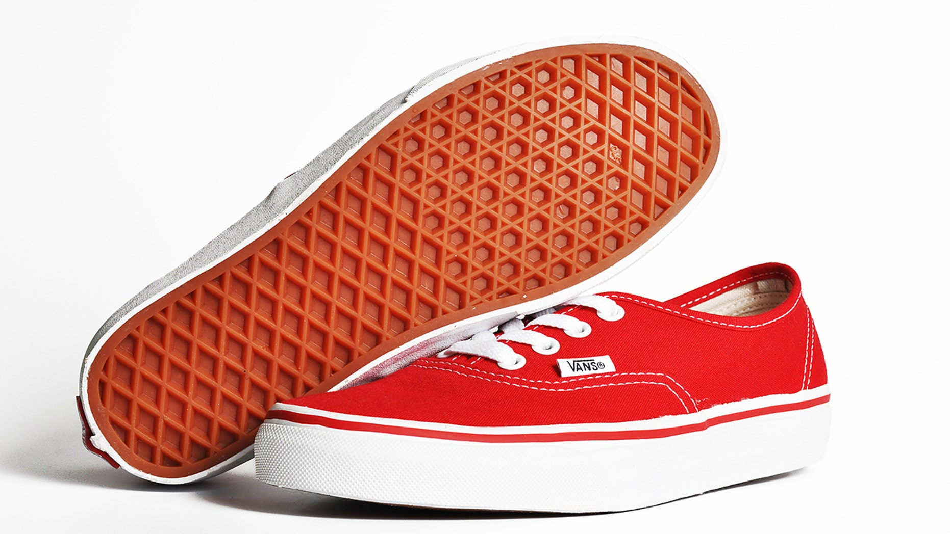 Vans Challenge  goes viral after Twitter user notices shoes land ... 1430b1b4b