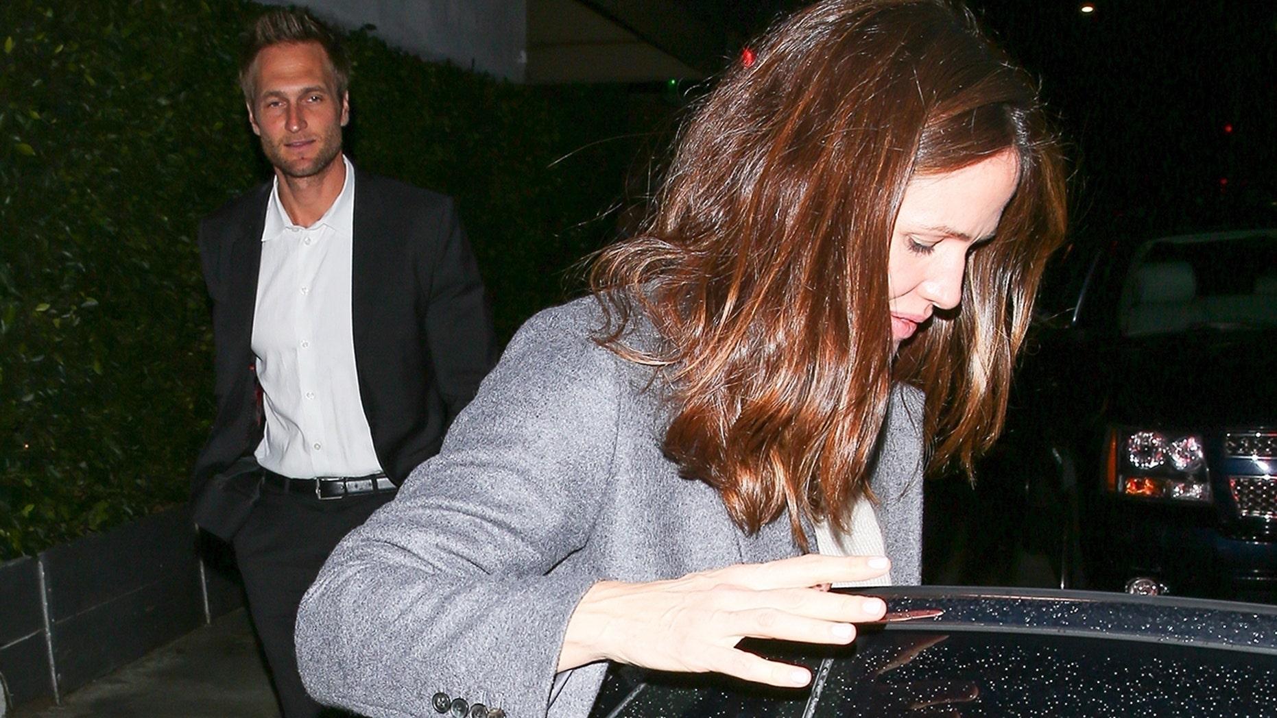 Jennifer Garner and her boyfriend John Miller have a date with a romantic dinner at the Giorgio Baldi restaurant in Santa Monica.