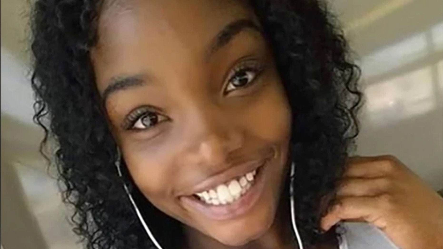 Mariah Michelle Logan, 23, died early Sunday in Miami after falling out of a rental car, police and her boyfriend say.