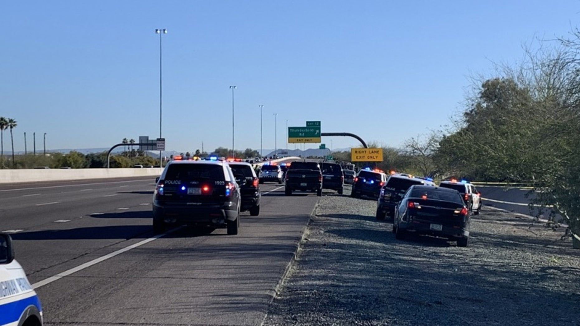According to the Arizona Public Security Department, at 6:56 am police responded to a call that a white Lexus sedan heading north had crashed after being near Thunderbird Road in the United States Close to the Thunderbird Road was.