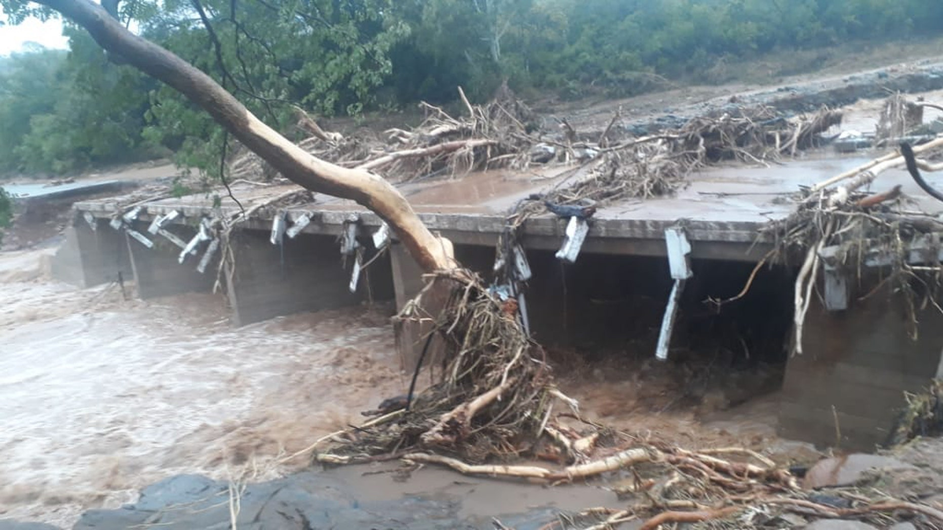 Cyclone Idai kills at least 31 as it hits eastern Zimbabwe
