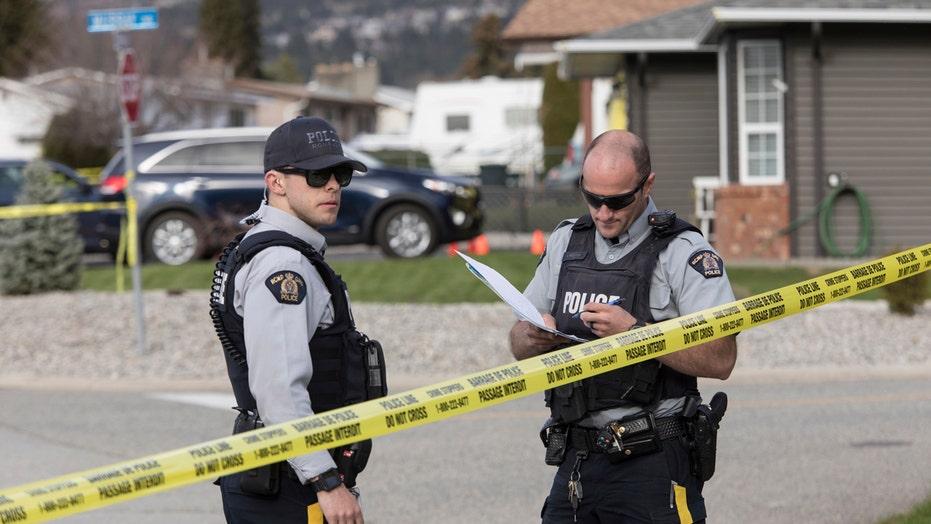 Kleuter skiet toe die polisie in Ontario pa konfronteer wat beskuldig word van ontvoering