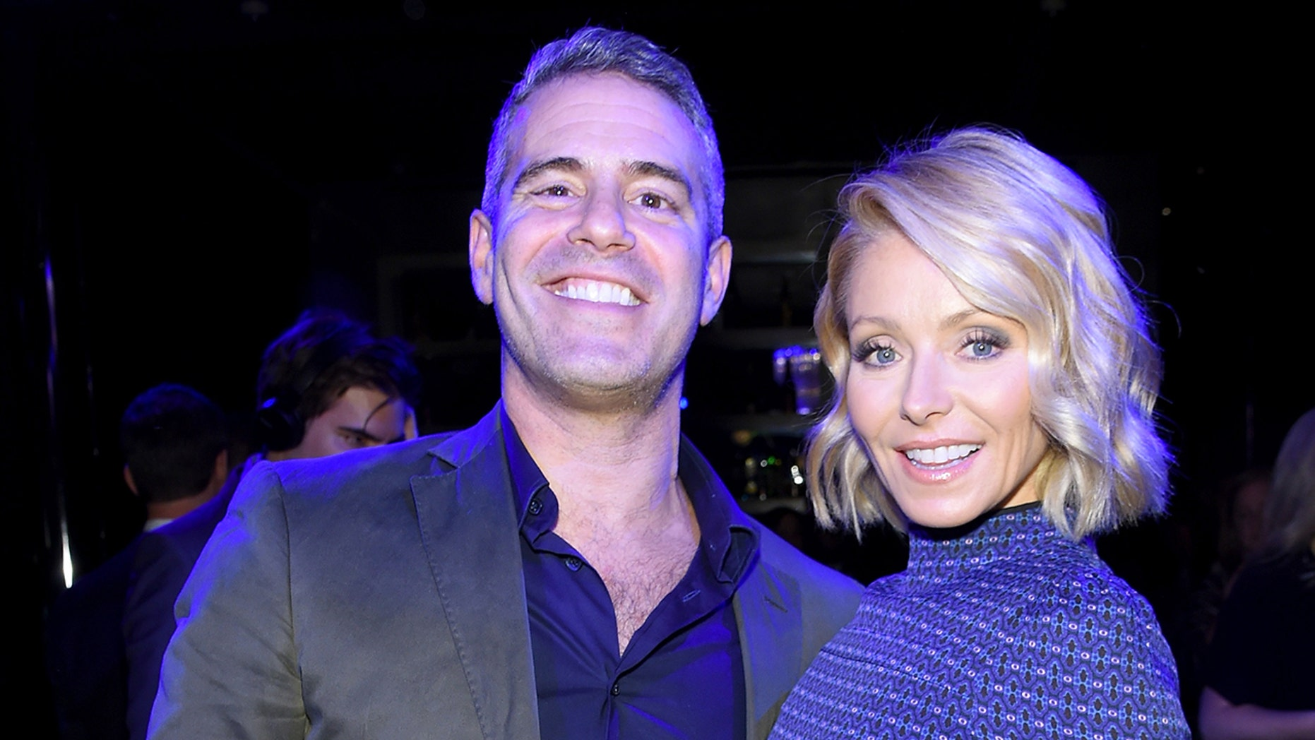Andy Cohen and Kelly Ripa. (Getty)