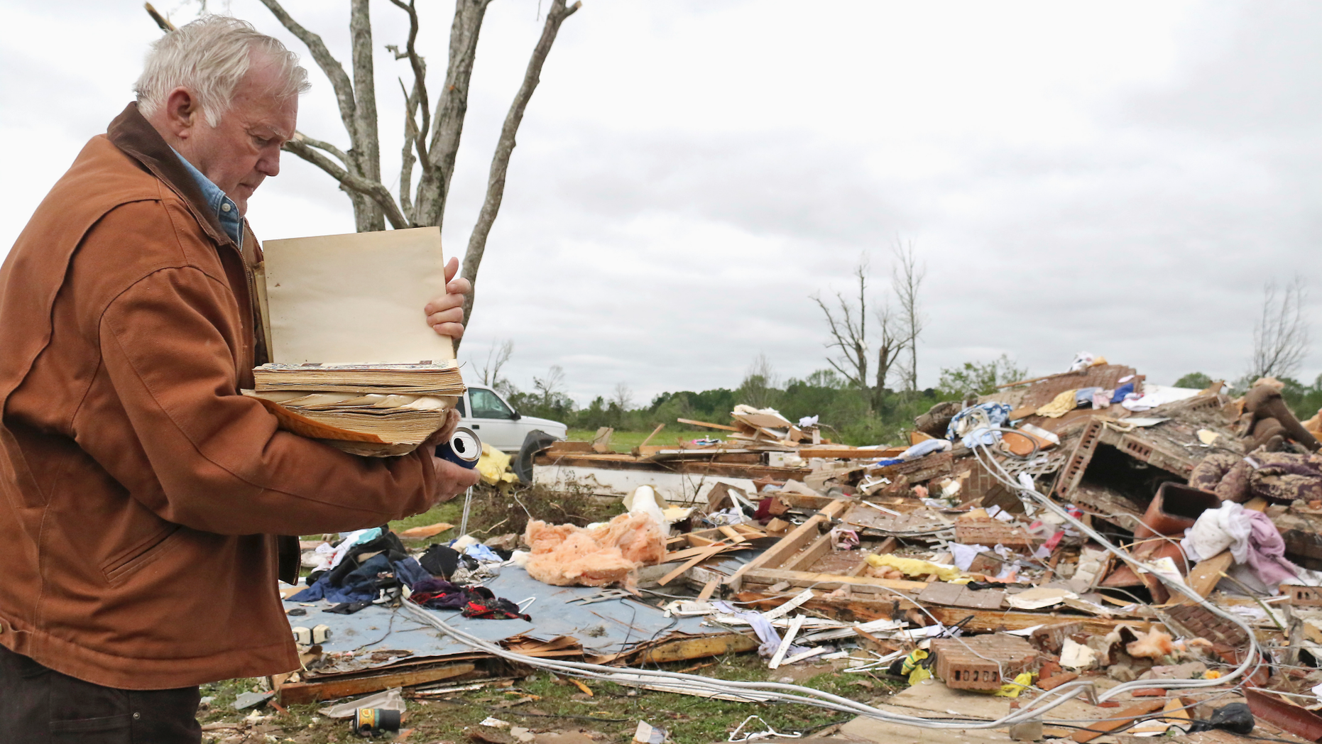 2 children killed as storms lash Texas