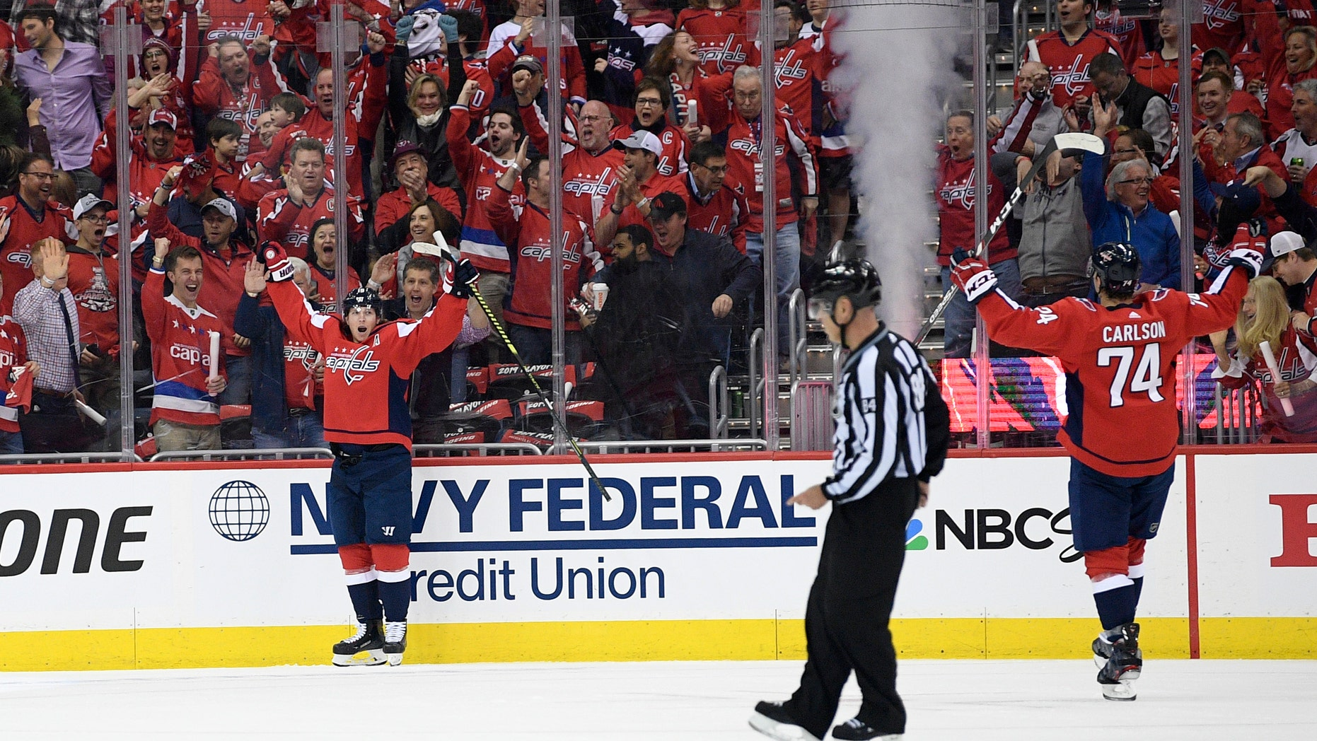 8ee2d3278fa Capitals survive surge from Hurricanes to win Game 1