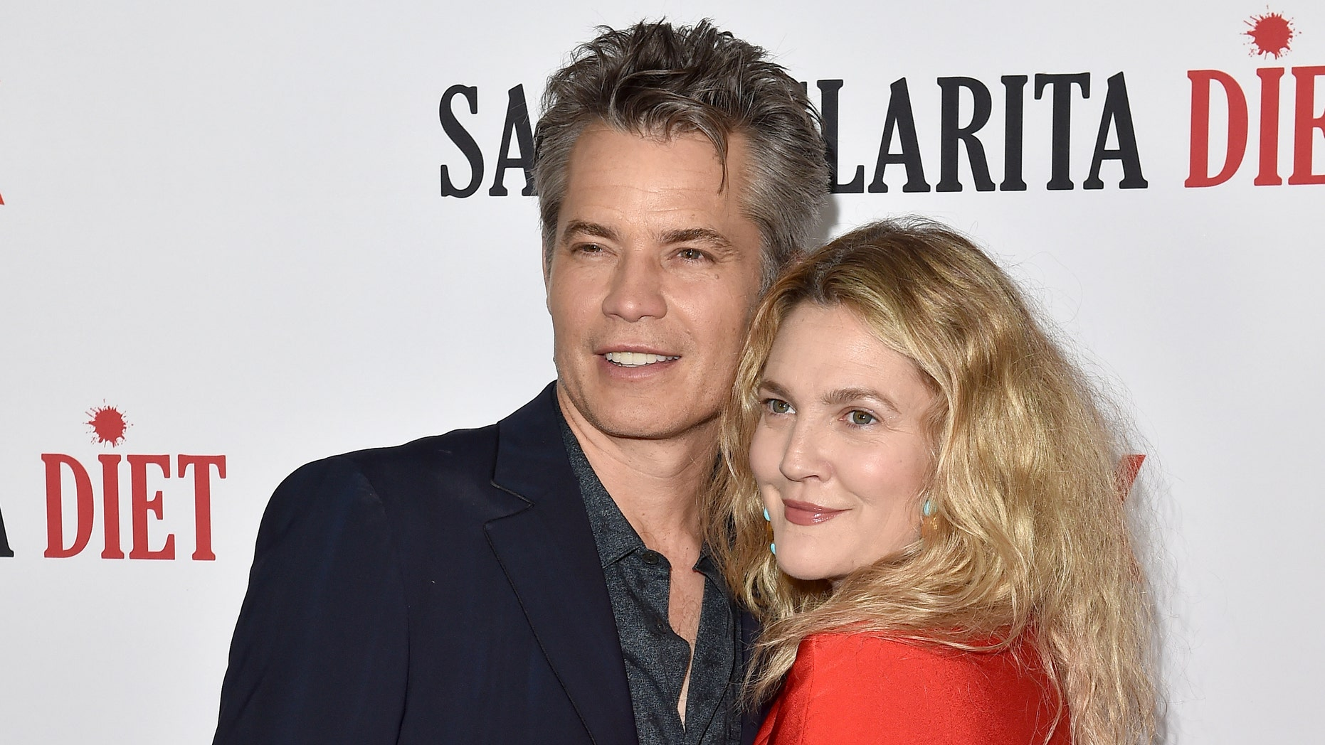 The actors Timothy Olyphant and Drew Barrymore attend the premiere of Netflix & # 39; s Santa Clarita Diet & # 39; Season 2 part.
