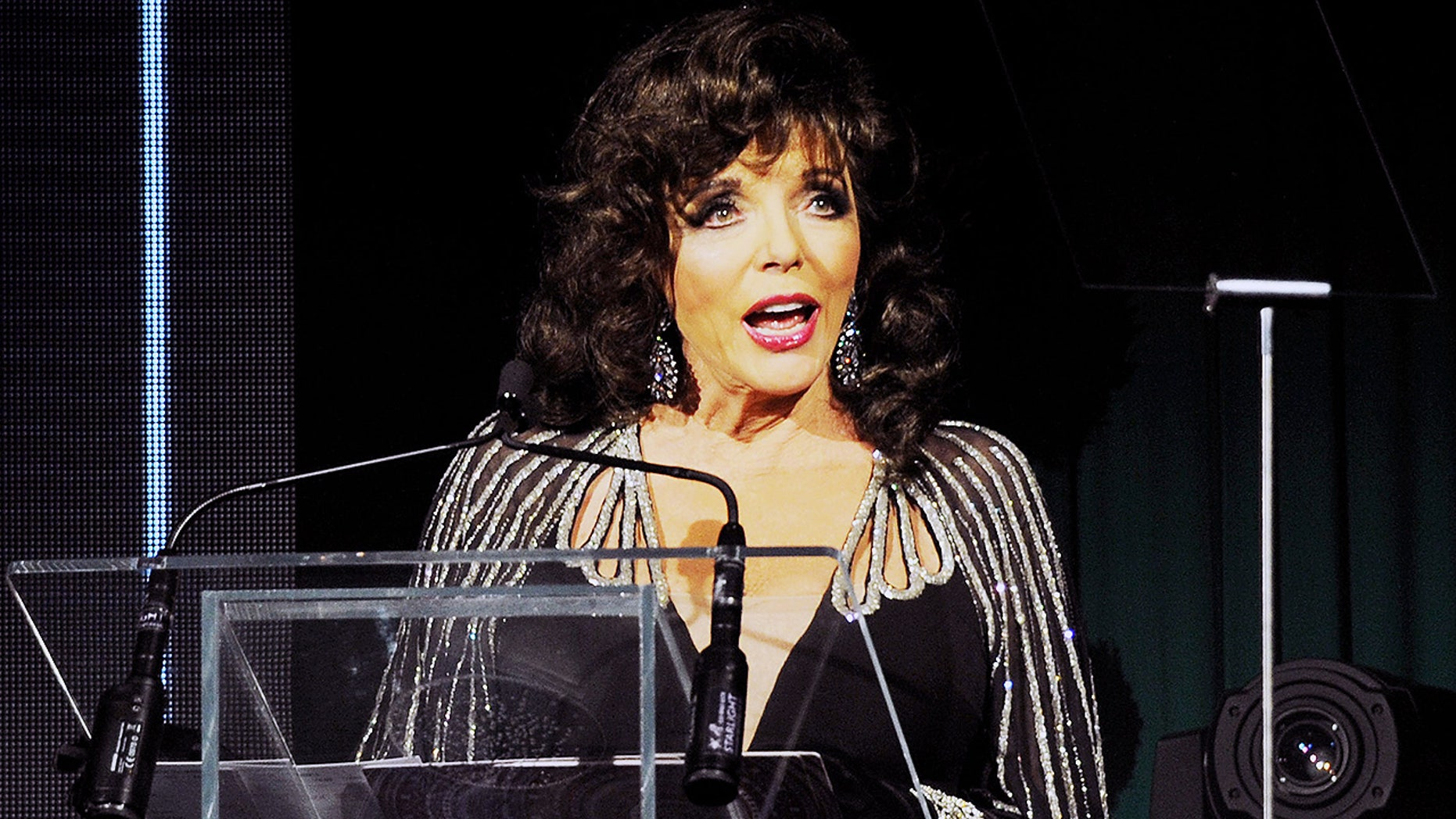 Joan Collins had a close call when her London apartment caught fire on Friday.