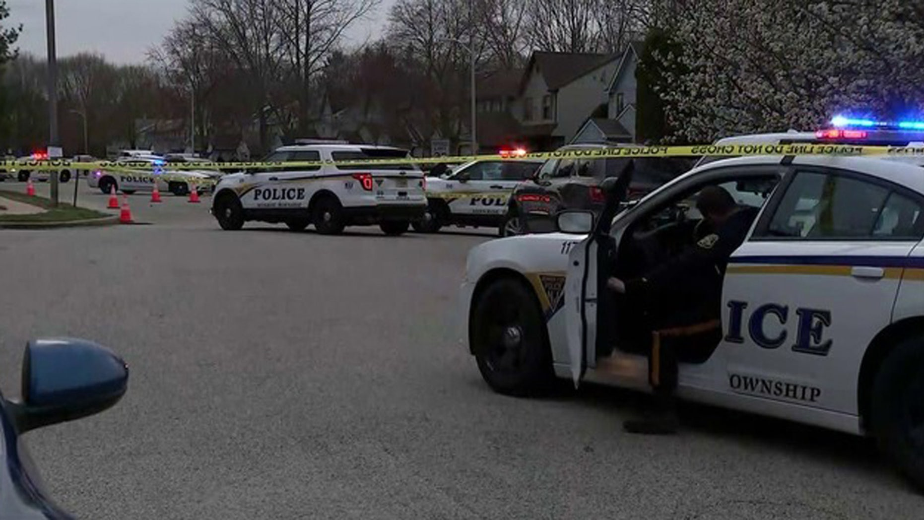 According to officials, a man was killed Sunday in parachuting in southern New Jersey.