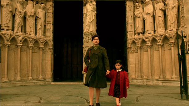 The main character in 'Amelie' faces tragedy during a visit to Notre Dame.