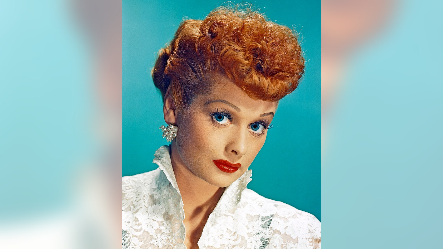 American actress Lucille Ball (1911-1989) as Lucy Esmeralda MacGillicuddy Ricardo in the popular TV series 'I Love Lucy', circa 1955. (Photo by Silver Screen Collection/Hulton Archive/Getty Images)