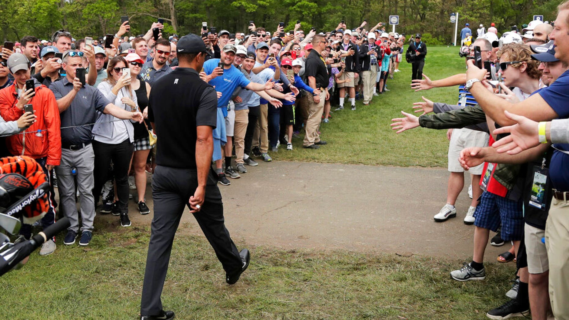 Tiger Woods during the second round of the PGA Championship Golf Tournament, 2019 On Friday, May 17, he goes to the 8th Bethpage Black tournament Farmingdale, NY (AP Photo / Julio Cortez)
