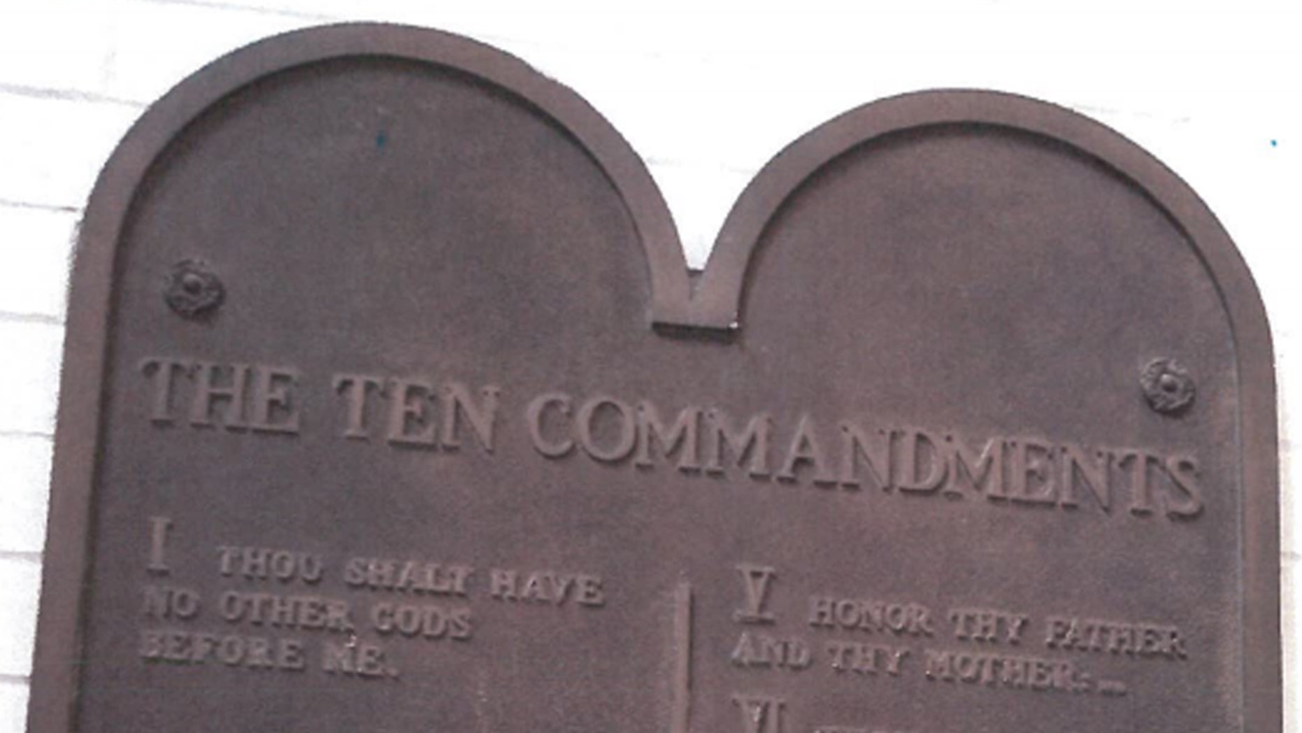 Westlake Legal Group Ohio10Commandments Ohio school scrubs 92-year-old Ten Commandments plaque after atheists complain fox-news/us/us-regions/midwest/ohio fox-news/us/religion/christianity fox-news/us/education/controversies fox-news/faith-values fox news fnc/us fnc Caleb Parke c02d0bde-ab3a-5286-b046-9d0211772569 article