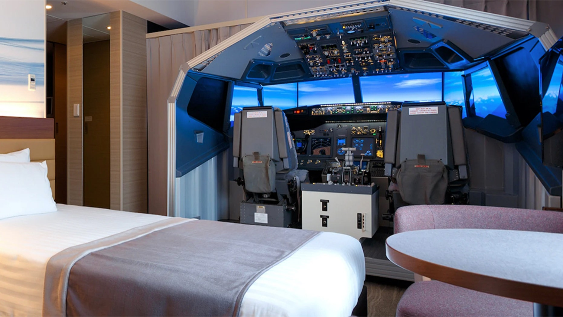 "In celebration of its 15th anniversary, the Haneda Excel Hotel Tokyu has installed a Boeing 747-800 flight simulator in its newly dubbed ""Superior Cockpit Room."""
