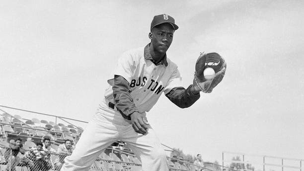 """Elijah """"Pumpsie"""" Green poses for a photo, location not known. Green, the first black player on the Red Sox, has died. He was 85. (AP Photo/Harold Filan, File)"""