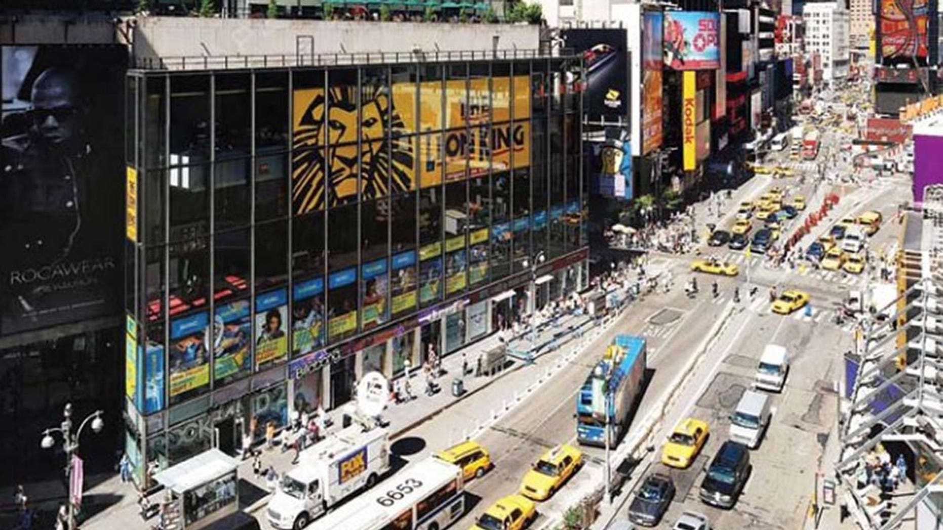 Westlake Legal Group Times-Square Motorcycle backfiring causes panic in Times Square, cops say fox-news/travel/vacation-destinations/new-york-city fnc/us fnc Associated Press article 1dcabce4-a19d-5ab5-b7bf-e9ba1debbb17