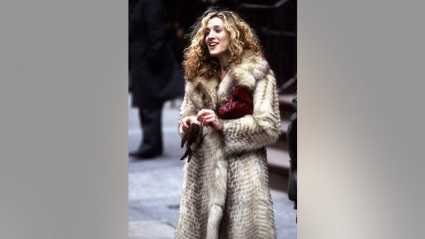 Sarah Jessica Parker films 'Sex and the City' on March 10, 1998, at Madison Avenue in New York City.