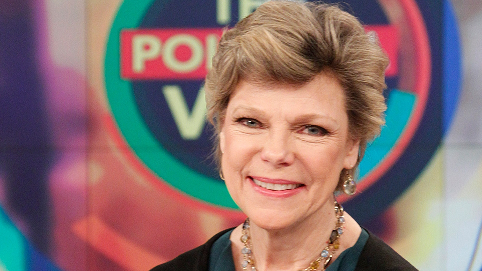 Cokie Roberts, renowned United States political journalist, dies at 75