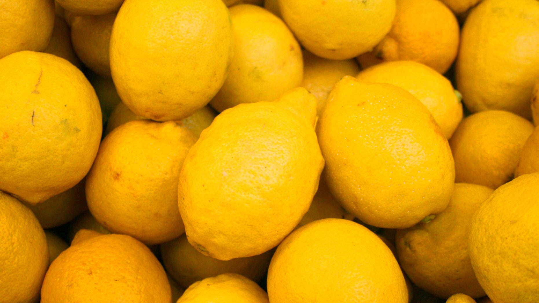 A small study suggests that the smell of lemon can help people feel thinner and lighter.