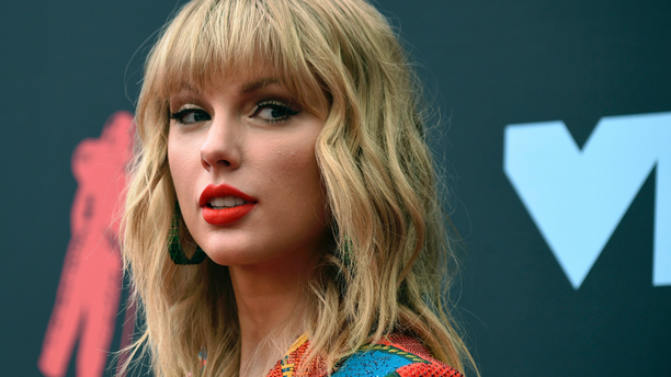Taylor Swift arrived at the MTV Video Music Awards in Newark, N.J. (Photo by Evan Agostini/Invision/AP, File)