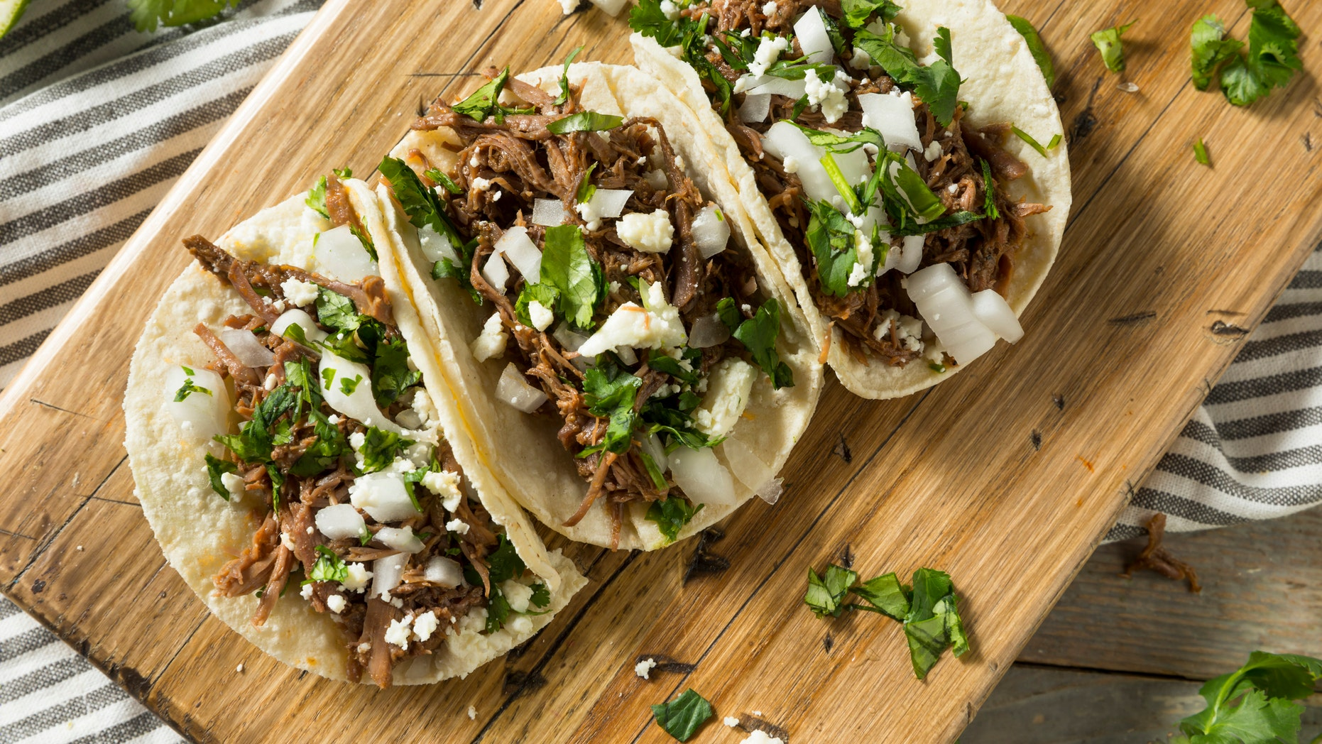 A taco truck in Humble, Texas, had a lot of business after the owner's daughter tweeted asking for support. (iStock)