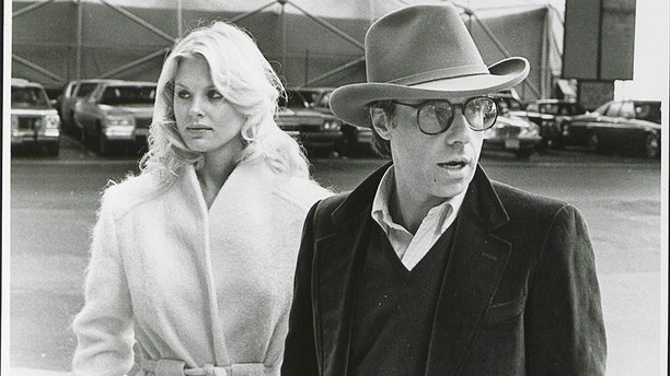 Director Peter Bogdanovich speaking to Stratten while shooting the film 'They All Laughed', 1980.