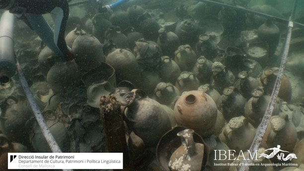 Experts believe that the ship was carrying a cargo of oil, wine and fish sauces. (Consell de Mallorca/IBEAM)