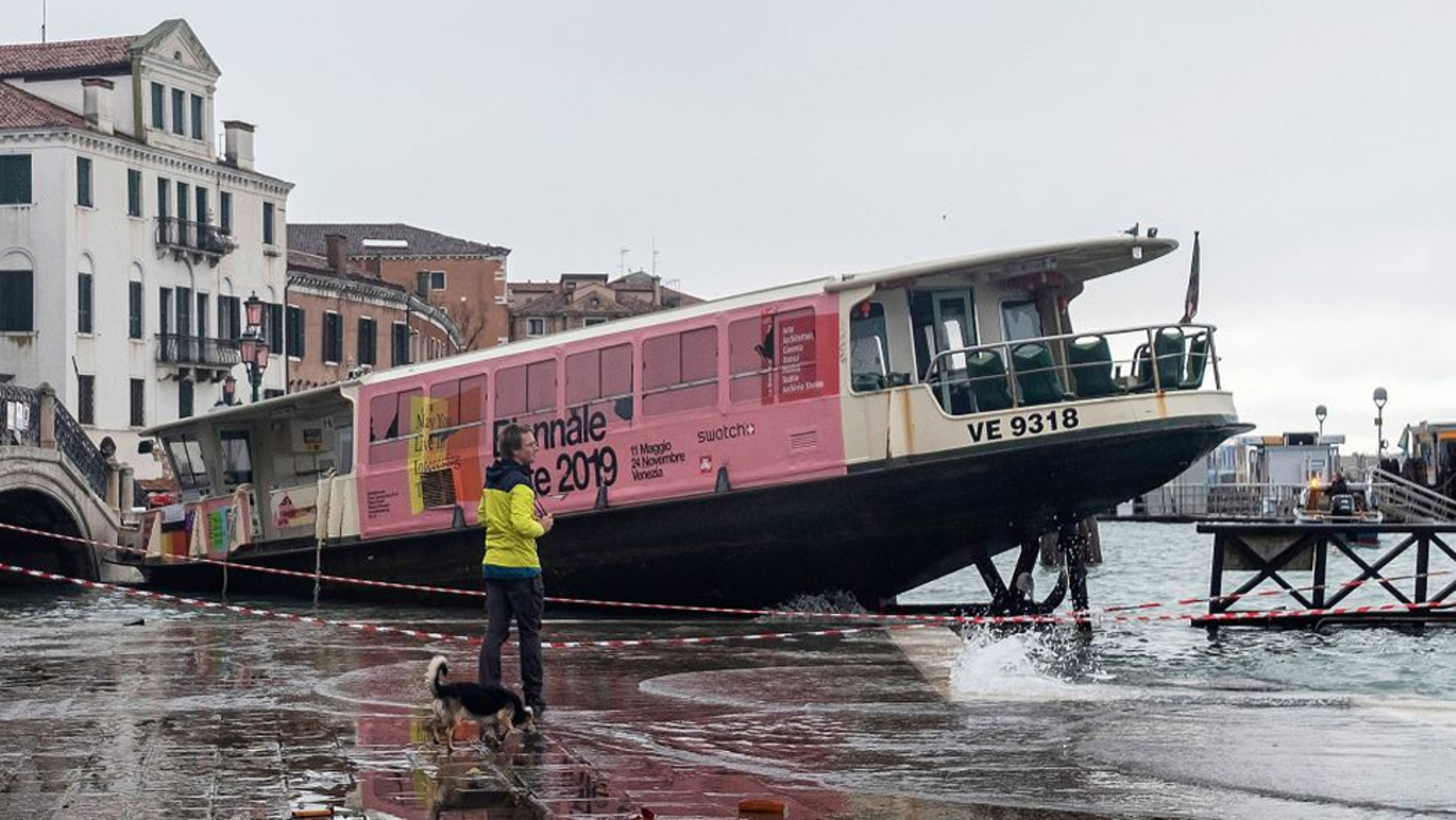 Westlake Legal Group water-taxi-venice Venice suffers worst flooding in 50 years, mayor blames climate change LiveScience fox-news/science/planet-earth/climate fnc/science fnc e00703f7-3ce4-5cf0-b530-7f56b9754487 Brandon Specktor article