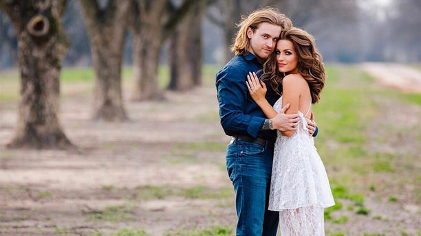 Miss America 2016 Betty Maxwell says she met her husband on Tinder.