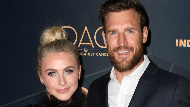 Julianne Hough and her husband, Brooks Laich, are reportedly having marital troubles.