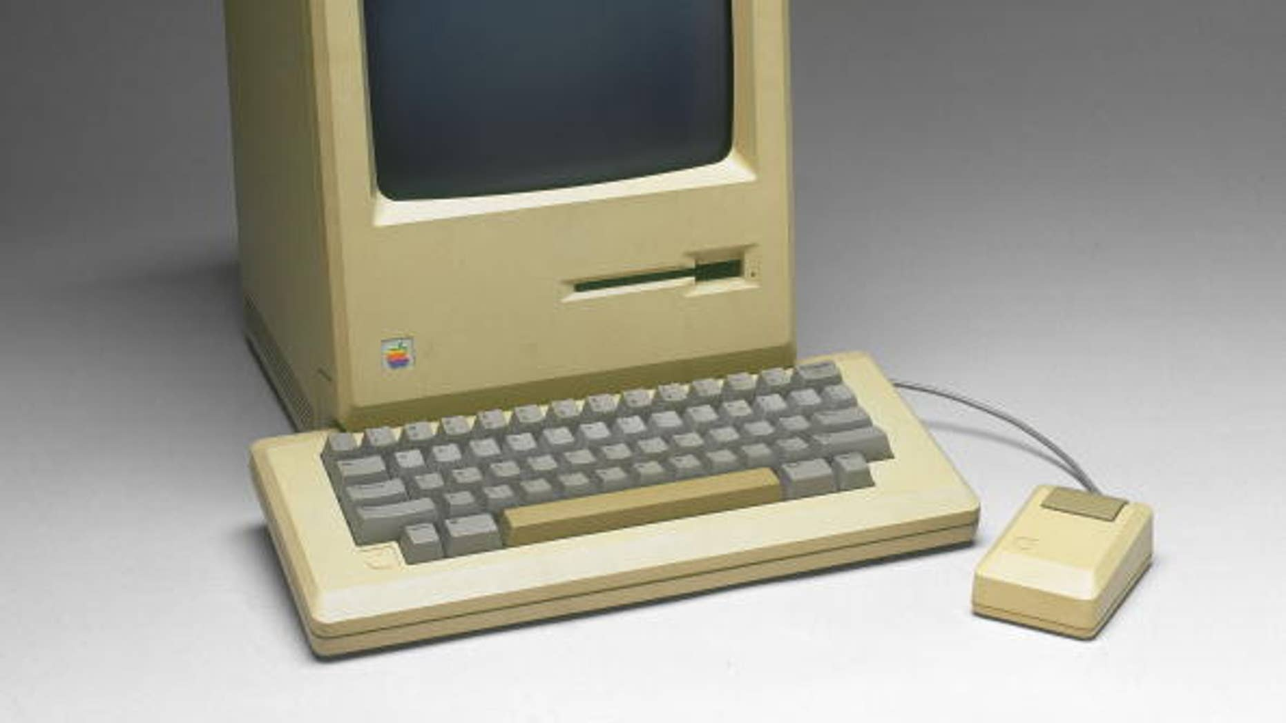 UNITED STATES - APRIL 06: Apple Macintosh computer, model M001, with keyboard and mouse. (Photo by SSPL/Getty Images)