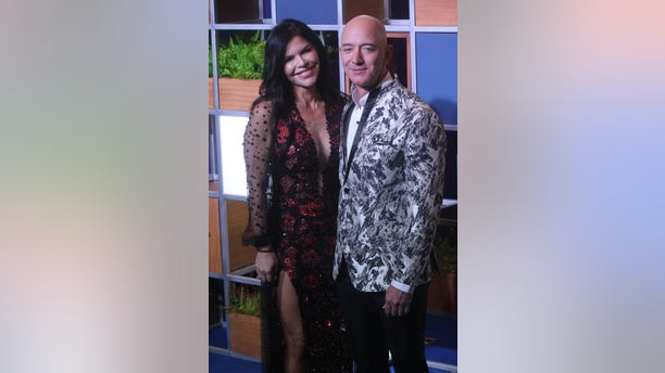 Amazon CEO Jeff Bezos and with American news anchor Lauren Sanchez at an event organized by Amazon Prime Video in Mumbai, India on January 16, 2020. (Photo by Imtiyaz Shaikh /Anadolu Agency via Getty Images)