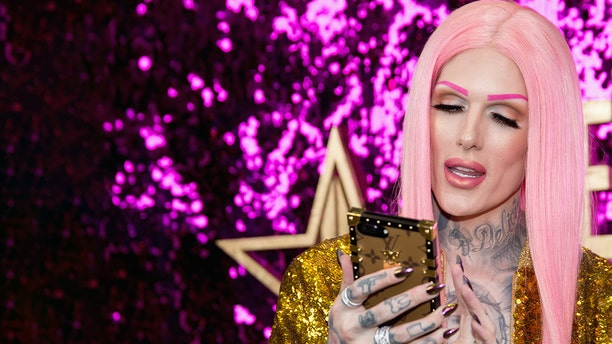 Social media influencer and makeup artist Jeffree Star, who has millions of online followers, tweeted about the man's death over the weekend, expressing his condolences. (Tara Ziemba/Getty Images)