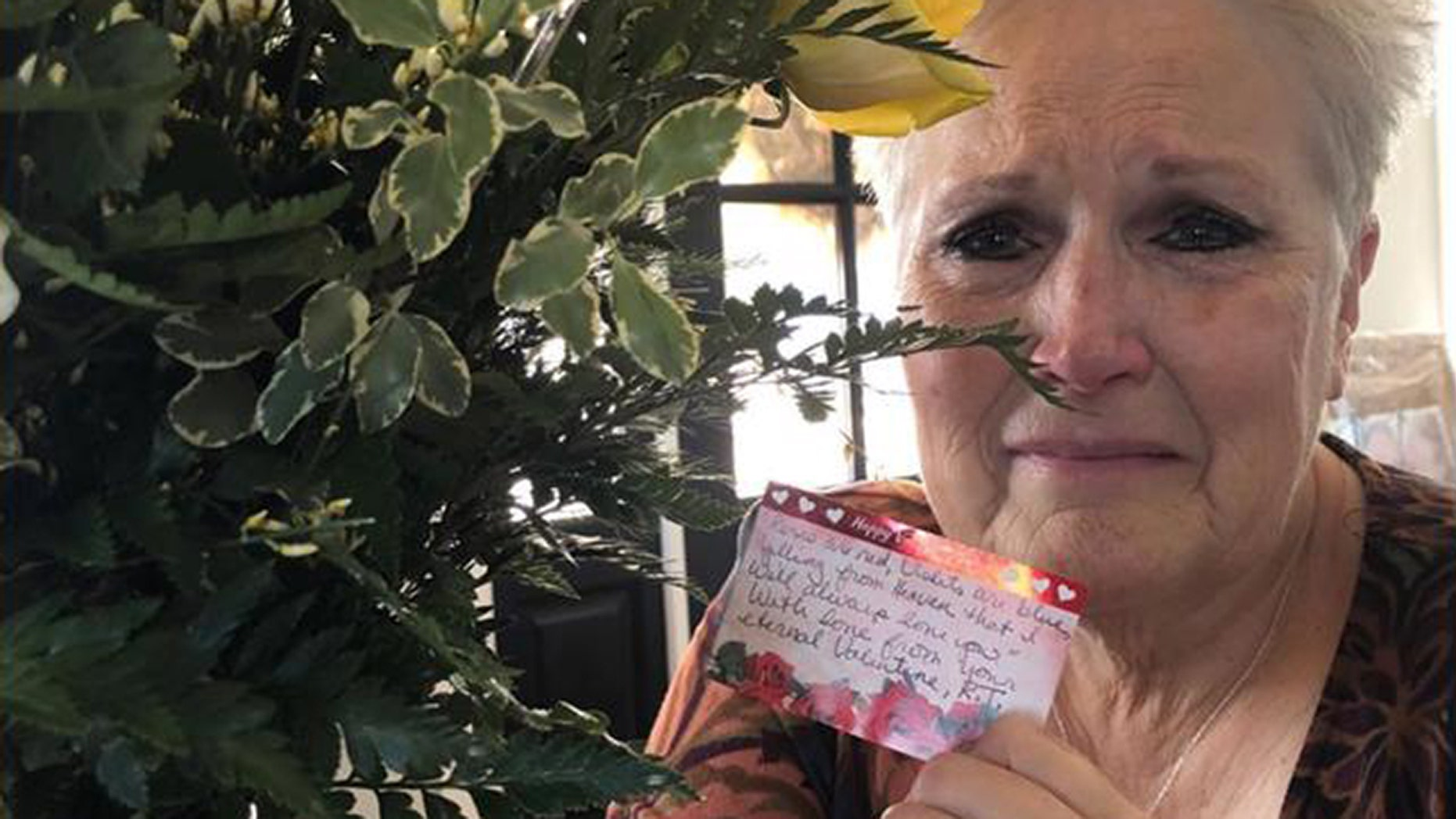 Debra Tenney received a bouquet of yellow flowers from her late husband Randy Tenney just months after he lost his battle with cancer in December. (Photo: Debra Tenney/KSAZ)