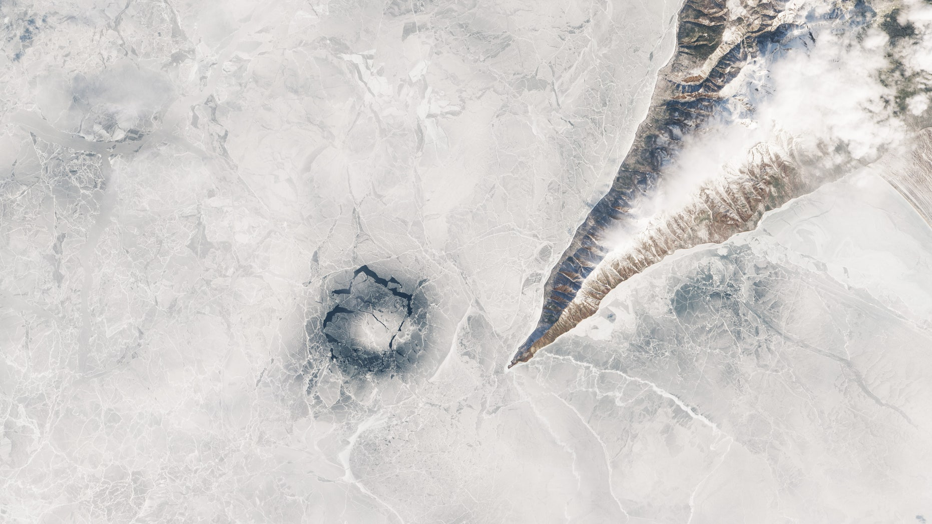 Westlake Legal Group NASALakeBaikal What's causing mysterious 'ice rings' to form in the world's deepest lake? LiveScience Laura Geggel fox-news/science fnc/science fnc d9953de3-5019-5c3f-8656-2eb32bba28fd article