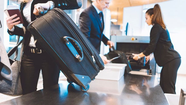 The TSA actually gets tokeepall of the change that travelers leave behind.