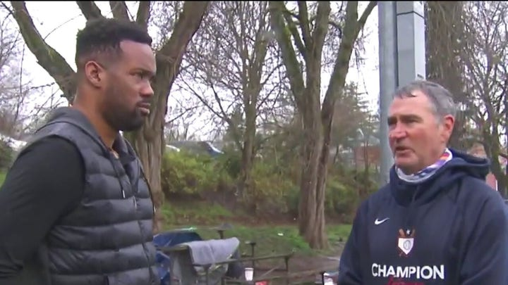 Seattle residents speak out to Lawrence Jones on homeless crisis: 'Makes me depressed'