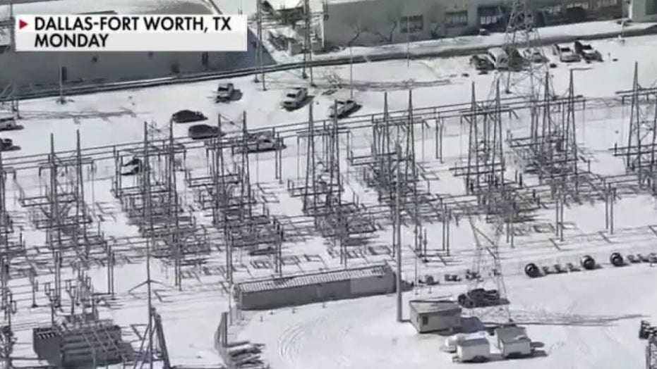 Houston Burger King drive-thru backed up for hours during winter storm