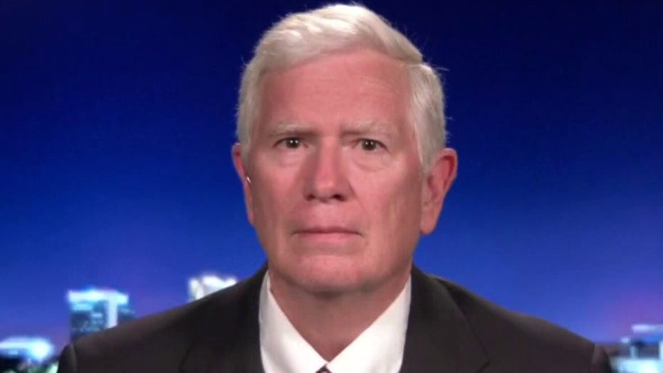 Rep. Mo Brooks says Swalwell's process server 'illegally entered my home'; slams 'frivolous' riot suit