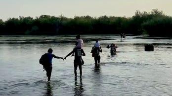 DOJ sues Texas, Gov. Abbott over order restricting migrant travel