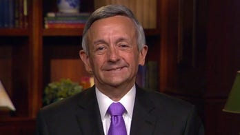 Pastor Jeffress shares message of keeping faith on Easter Sunday