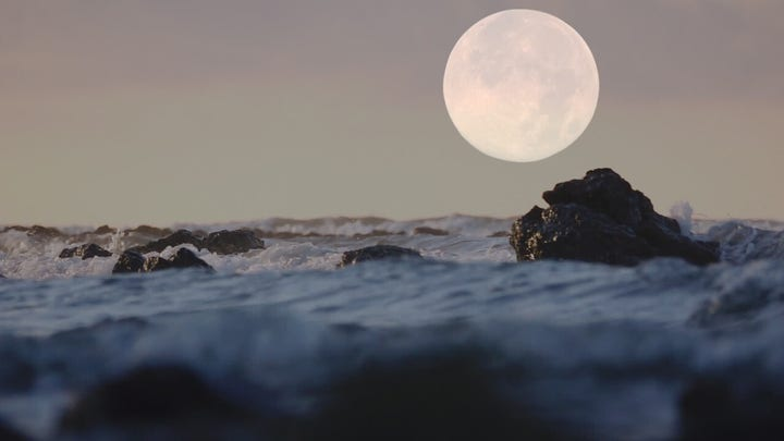 5 interesting facts about the moon