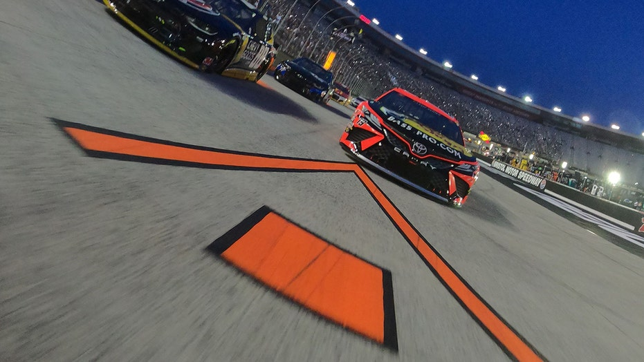 NASCAR's Bristol playoff race is sold out, may have largest US sports crowd since pandemic began