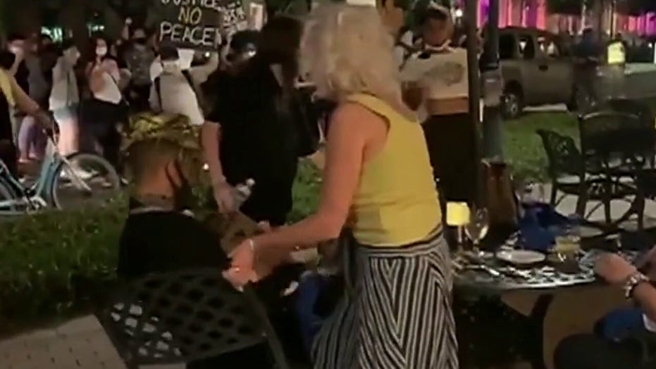 Protesters threaten to 'knock out' diners in Florida amid unrest