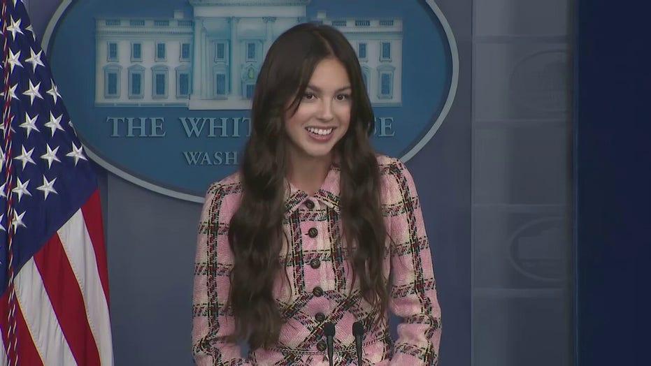 Popstar Olivia Rodrigo visits White House, promotes COVID-19 youth vaccination at press briefing