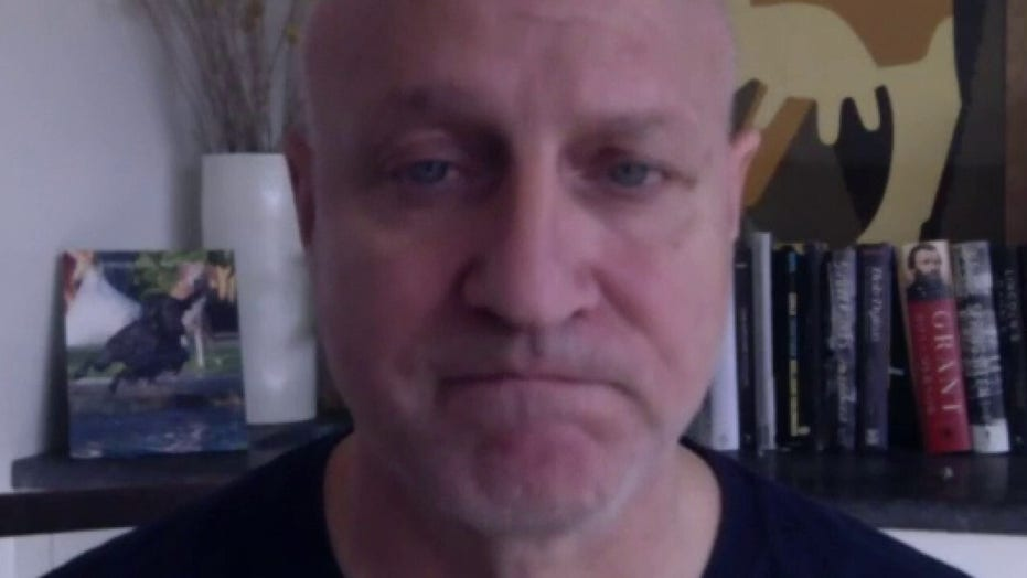 'Top Chef' star Tom Colicchio: 'Let's get through this virus and then we can reopen strong'