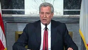 NYPD to hand out fines for violating social-distancing rules amid coronavirus, de Blasio says