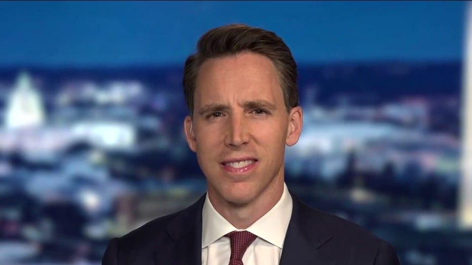 Sen. Josh Hawley: Joe Biden 'didn't have the guts' to evacuate Afghanistan early