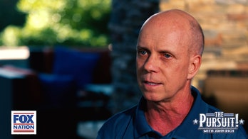 Gold medalist Scott Hamilton explains what it meant to carry US flag at 1980 Winter Olympics opening ceremony